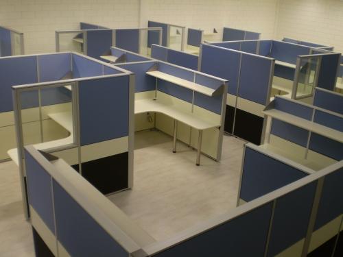 חלל משרדי מחיצות