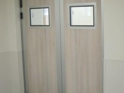 דלתות במילוי עופרת כולל צוהר זכוכית מוגנת לייזר לחדרי רנטגן