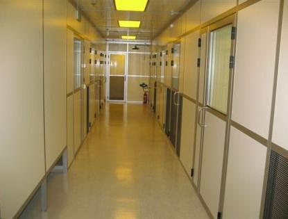 מסדרון חדר נקי באוניברסיטה העברית בירושלים