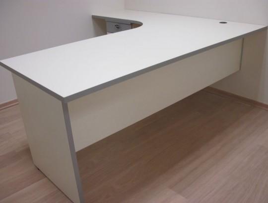 שולחן ארגונומי כולל רגל וסינר עץ בתוספת ארגז מגירות תומך