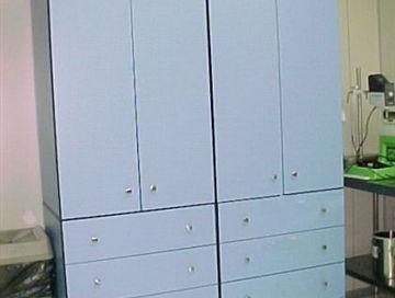 ארון מעבדה מחומר HPL גוון כחול