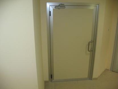 דלת אטומה למעבדת עיניים בבאר שבע
