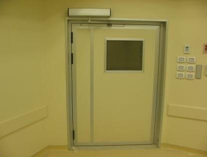 דלת רחבה מוגנת לייזר
