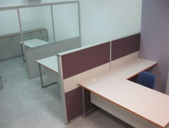מחיצות open space בשילוב מחיצות גבוהות לסגירת משרדים