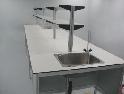 שולחן מעבדה כולל עמדת כיור וברז מנירוסטה