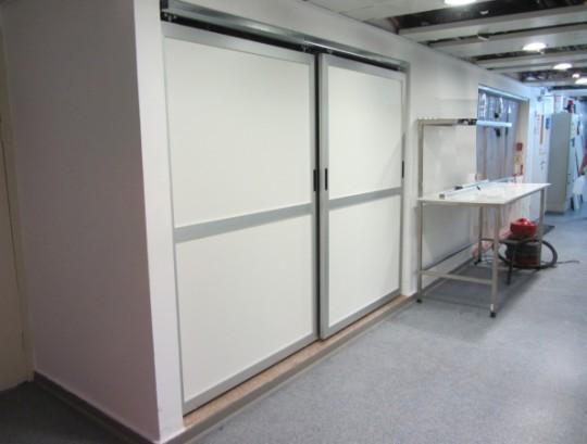 דלתות הזזה לחדר נקי במילוי HPL.