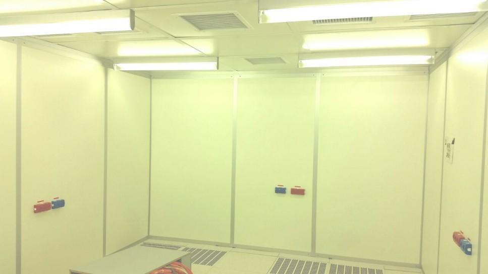 חיפוי קיר חדר נקי