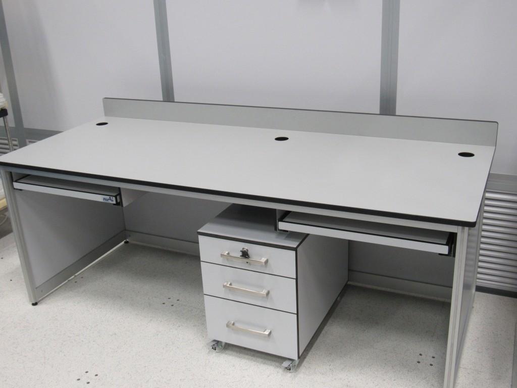 שולחן למעבדה נקייה