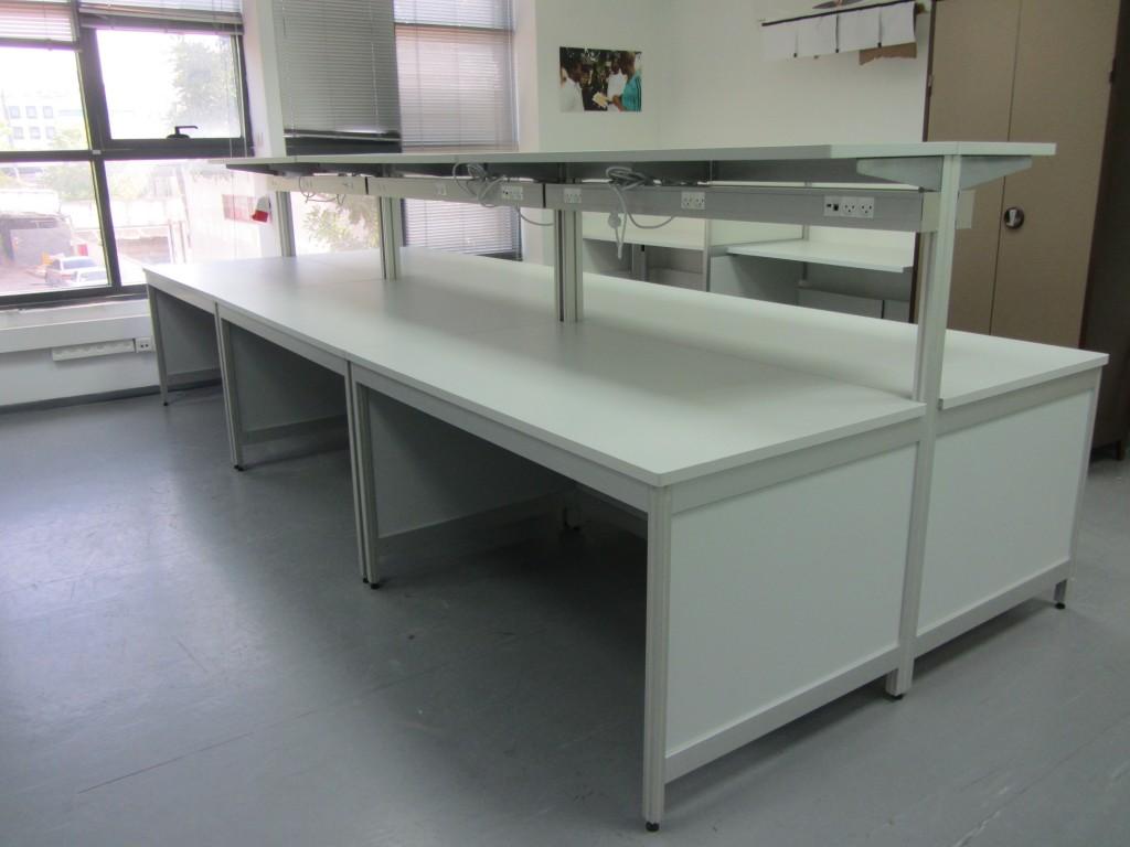 שולחן מעבדה דו-צדדי