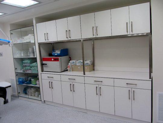 ארונות ומגירות HPL למעבדה