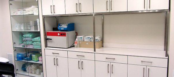 רהיטים למעבדה בבית חולים