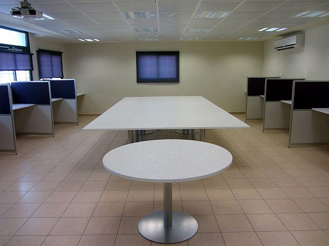 שולחן ישיבות לבתי ספר