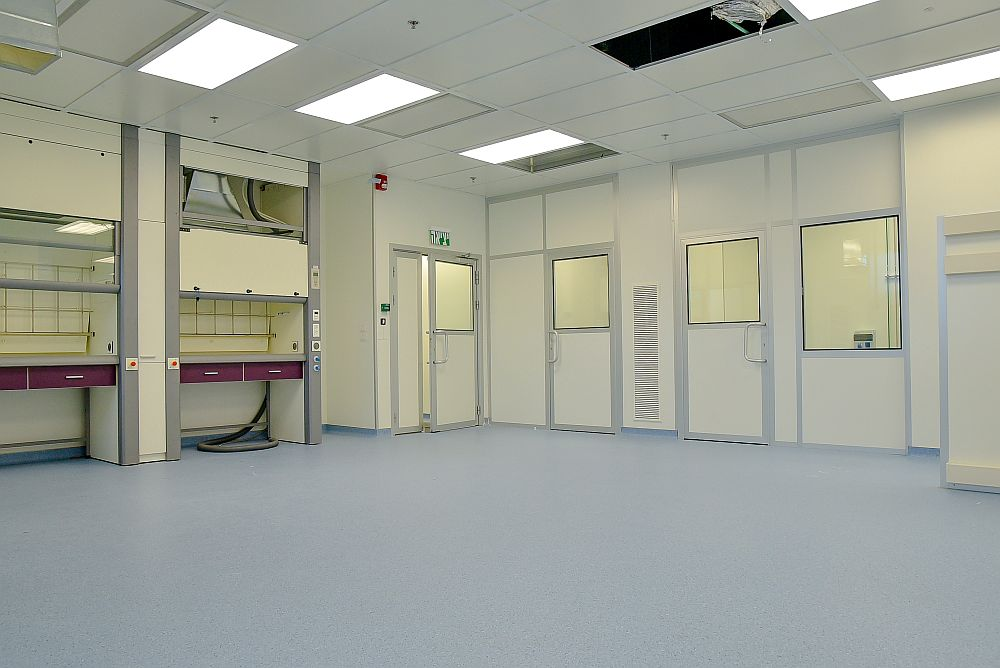 התקנת חדר נקי במפעל