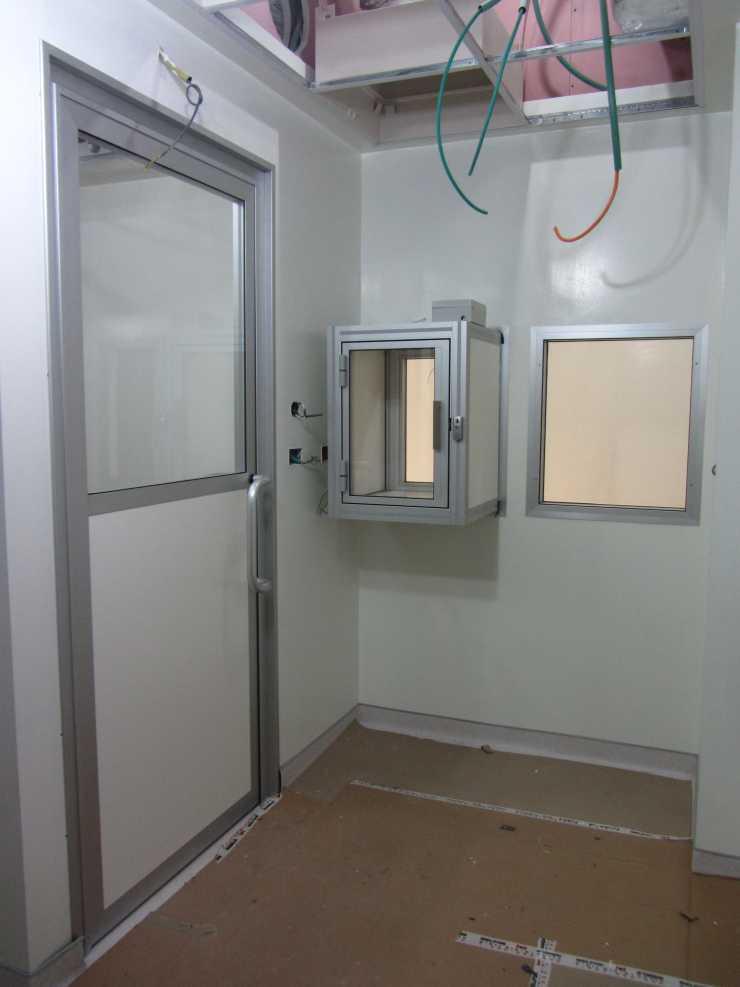דלת לבית מרקחת