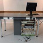 שולחן לכיתת מדעים