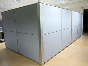 מחיצה ליצירת משרד