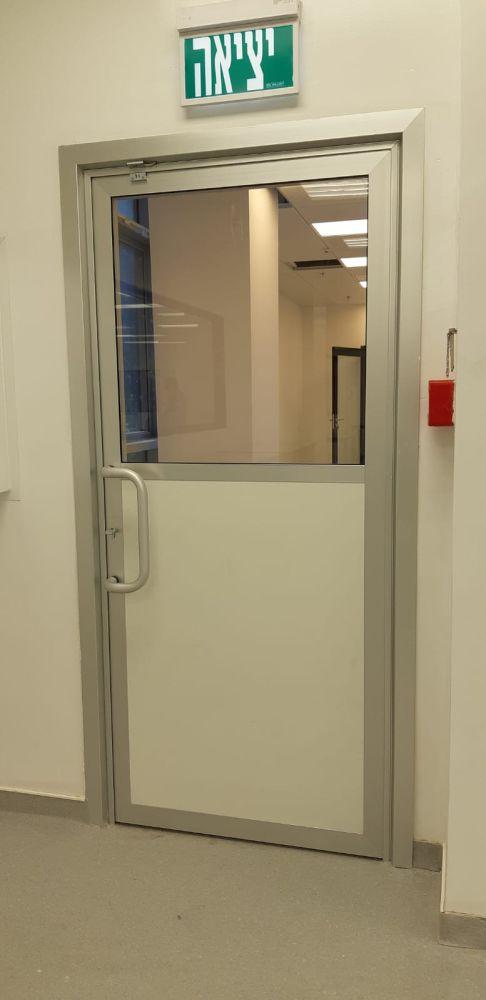 דלתות מעבדה