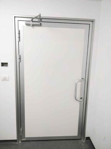 דלת אטומה למעבדה