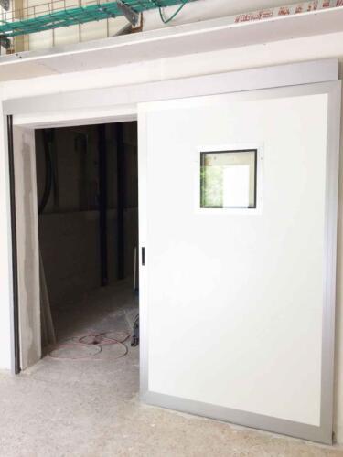 דלת הזזה ידנית