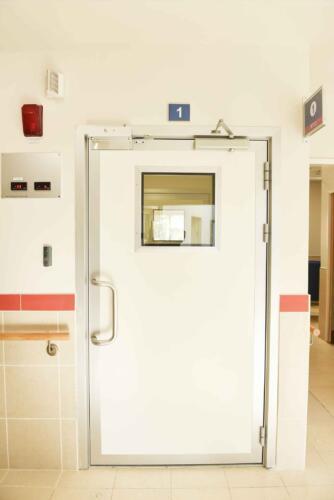 דלת לחדר ניתוח