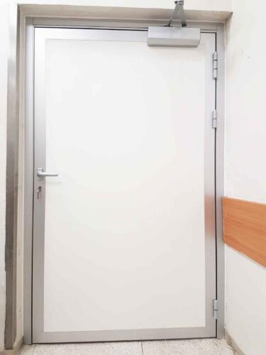 דלת עופרת למיון רנטגן