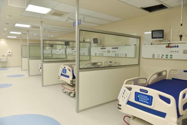 מחיצות הפרדה במחלקות פנימיות בבתי חולים