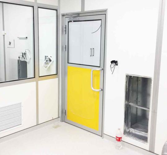 דלת למעבדה